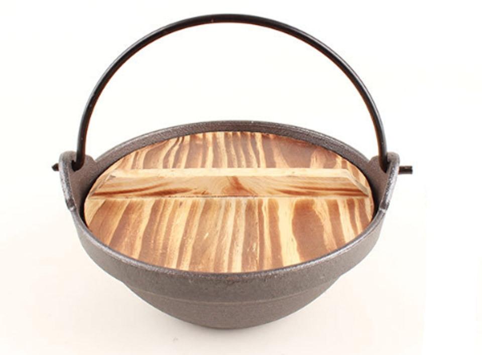 BORREY Japanese Sukiyaki Stew Pot Cast Iron Saucepan Outdoor Camping Hanging Stove Pot Wood Cover Soup Pot Restaurant Hotel Pot