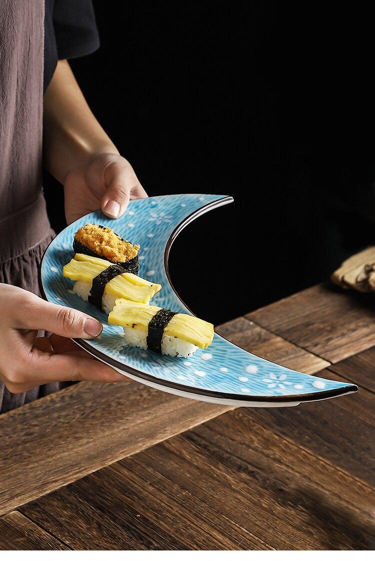 12 Inch Japanese Painted Ceramic Sushi Cuisine Moon Plate Simple Home Hotel Restaurant Japanese Sashimi Plate Kitchen Tableware
